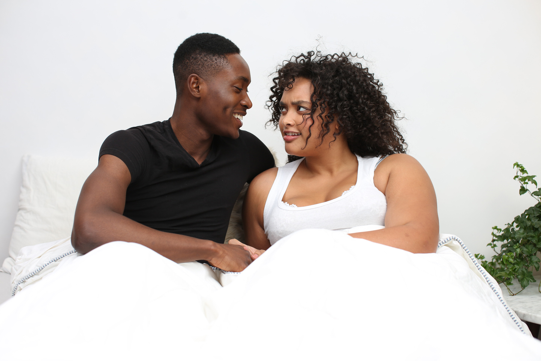 Signs that you might be forcing a relationship